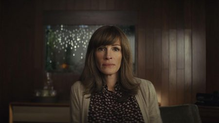 Julia Roberts in <em>Homecoming</em> (Amazon, 2018-)