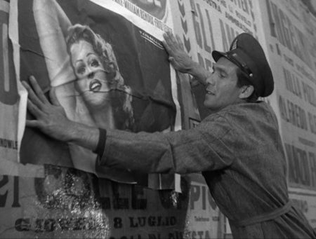 Fig. 3: The poor protagonist in Vittorio De Sica's Ladri di biciclette (1948, Bicycle Thieves) puts up posters of fancy Hollywood divas like Rita Hayworth – as an ironic contrast to his own working-class existence. While situated in America, David Simon's TV series have a lot in common with the Italian Neo-Realist films from the 1940, both thematically and tonally. © Image Entertainment.